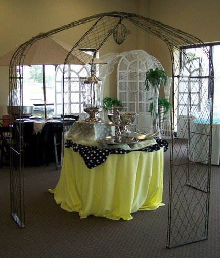 Where to find GAZEBO IRON FRENCH SMALL in Tyler