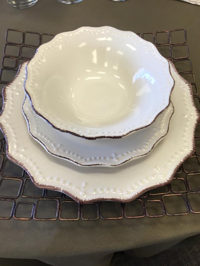 Where to find OXFORD CREAM STONEWARE CHINA in Tyler